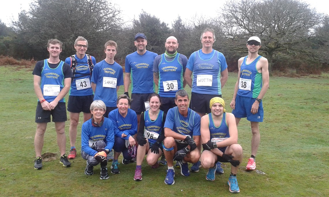 group photo before plym trail races.jpg