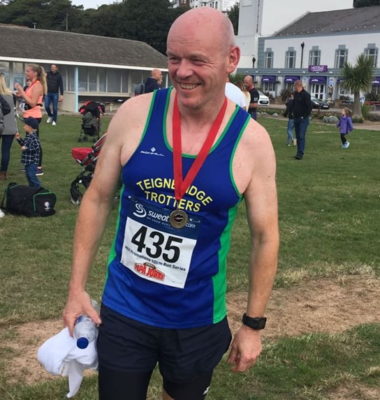 philip golom represents the trotters at exmouth 10k.jpg