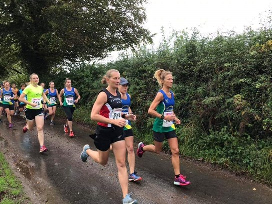 leaders set off at newton abbot 10k.jpg
