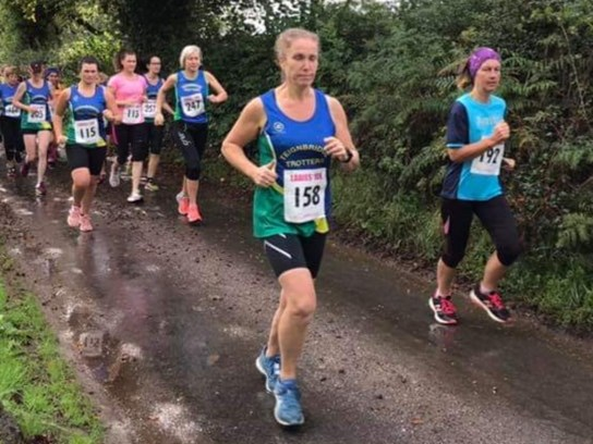 emma ray on her way to a new pb at newton abbot ladies 10k.jpg