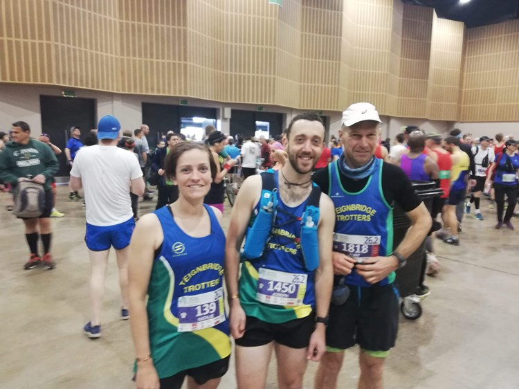 natalie clare, joe hornsby and kurt read all smiles before mk marathon.jpeg